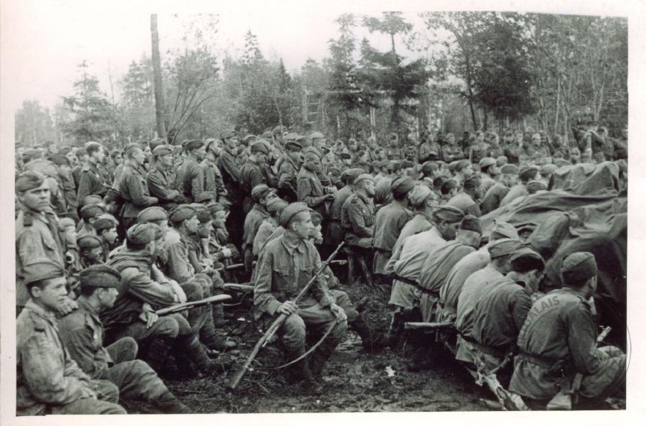 21 декабря 1943 года 50 за успешно проведенную операцию по прорыву сильно укрепленной обороны немцев к югу от города